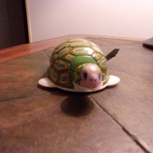 Turtle Tin Wind-Up Toy - Vintage - Japan